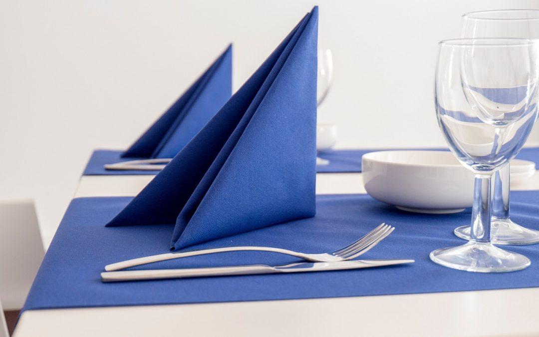 Tischmanieren – Etikette mit der Serviette